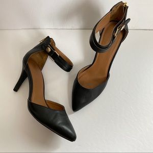Pointed toe black heels size 7